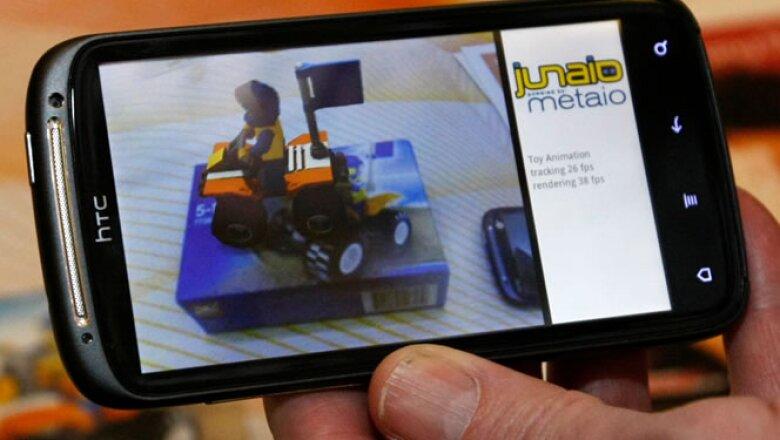 En el CES se presentó un 'smartphone' HTC que permite ver apps de realidad aumentada.
