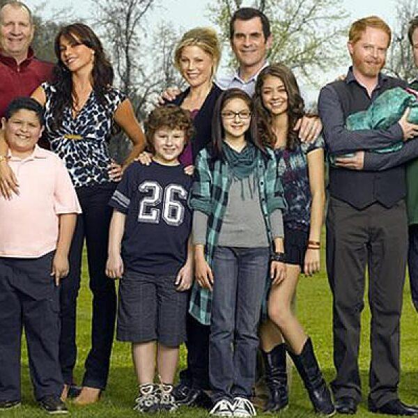 Una familia multicultural, compuesta por latinos, gays, adolescentes y desempleados, en una comedia que causó las delicias de los amantes del género. Cada episodio le deja a su casa productora ganancias por 1.6 mdd.