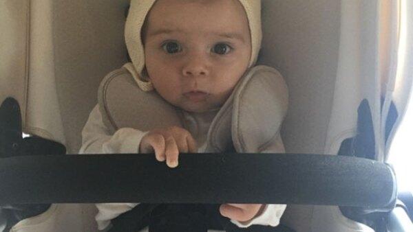 A sus ocho meses de edad, el pequeño se ve cada vez más grande, y así lo presume su mamá en Instagram.