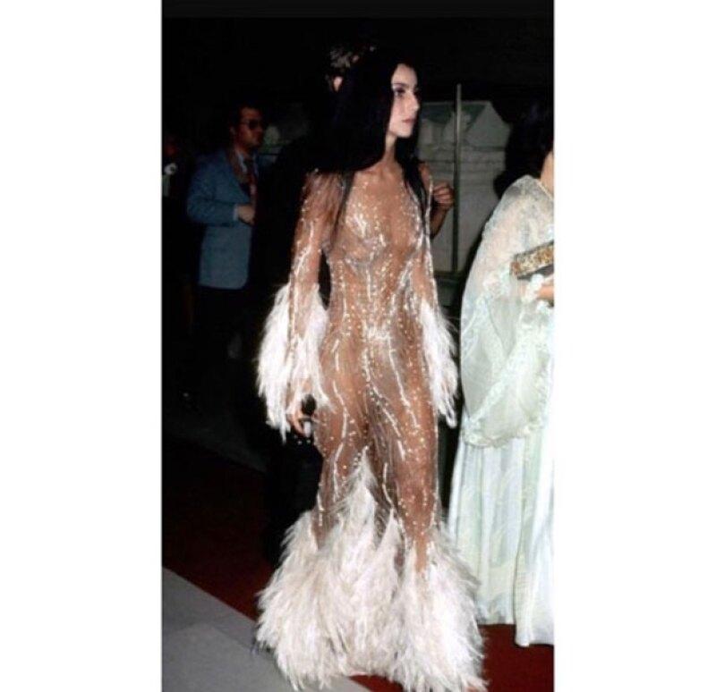 El vestido de Cher en 1974 inspiró al de Kim en el Met Gala.