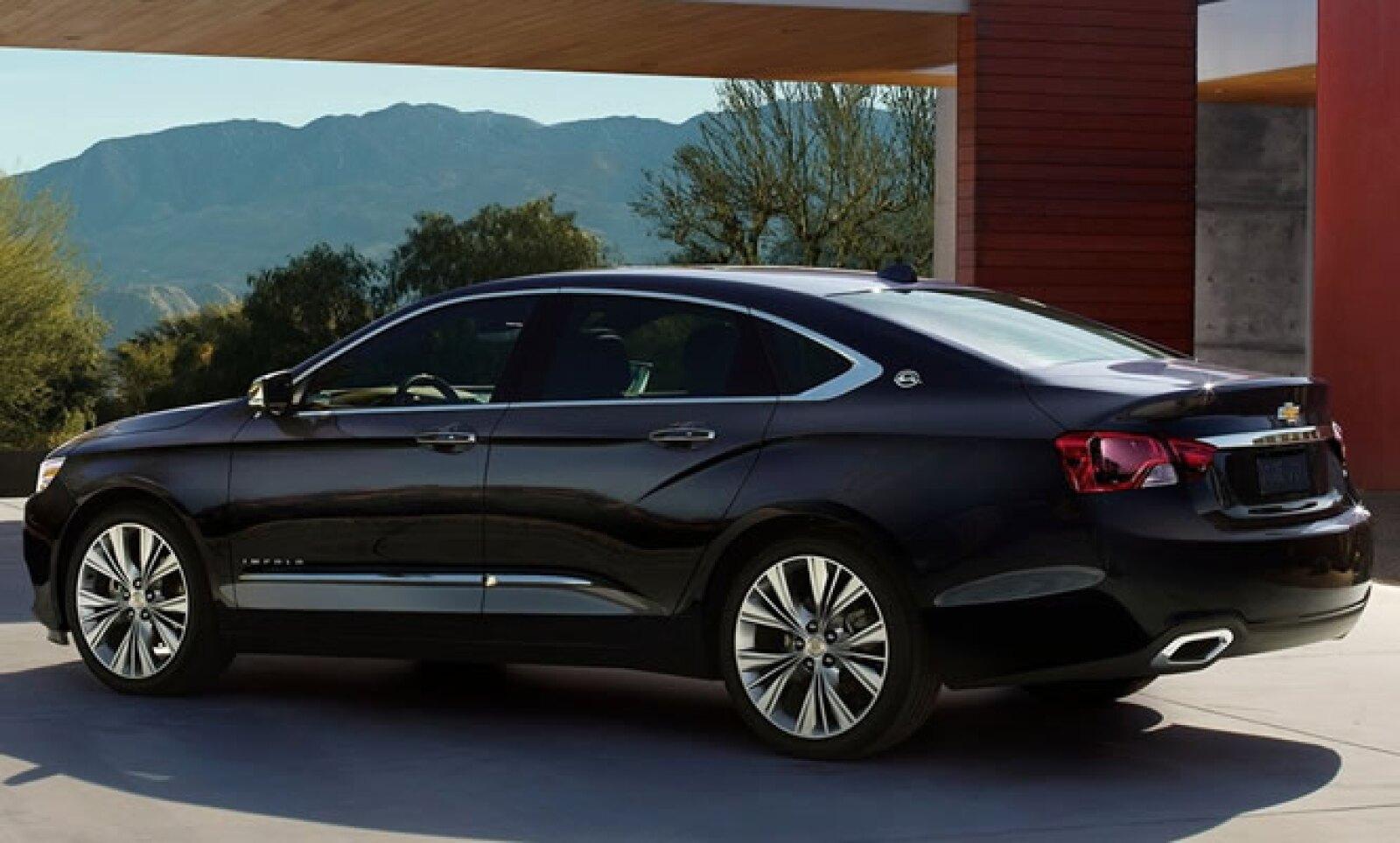 El Impala 2014 ofrece tres motorizaciones, todas de inyección directa y acopladas a una transmisión automática de seis cambios.