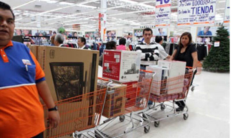 En julio de 2012 el tráfico de clientes de Walmart disminuyó 2.1%. (Foto: Notimex)