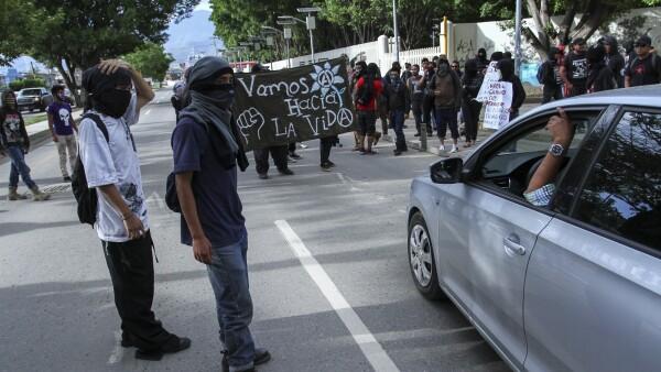 Los opositores a la reforma educativa volvieron a instalar un retén en San Lorenzo Cacaotepec