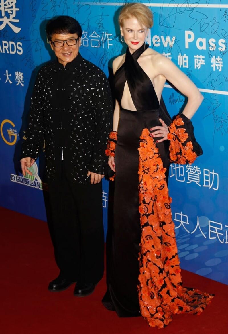 """La australiana dejó claro que aún a sus 46 sigue siendo ejemplo de belleza y sofisticación. Segura de sí misma, arrebató suspiros en la red carpet de los premios """"Huading"""", versión china de los Oscar."""