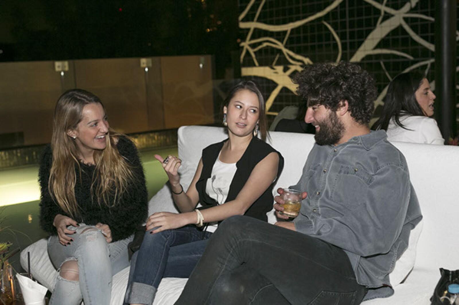 Daniela Zapata,Karla Ramírez,Alejandro Glatt
