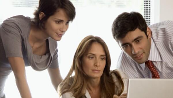 La web influye cada vez más en la experiencia de compra de los usuarios, dice Google. (Foto: Thinkstock)