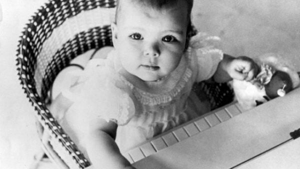 1957. 6 meses