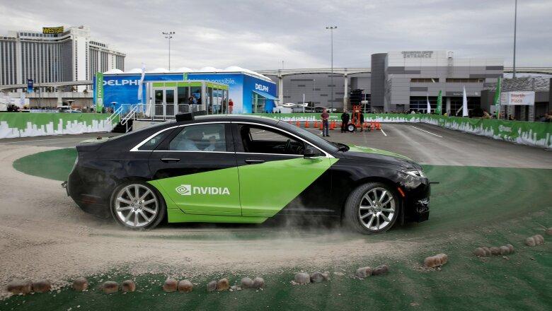 Un Lincoln MKZ equipado con tecnología de conducción autónoma de Nvidia.