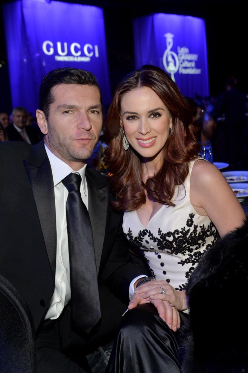 Martín Fuentes y Jacky Bracamontes están casados desde el primero de octubre de 2011 y tienen dos hijas juntos.