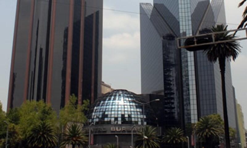 Las acciones en la Bolsa Mexicana de Valores también se beneficiaron con las compras de oportunidad. (Foto: Notimex)