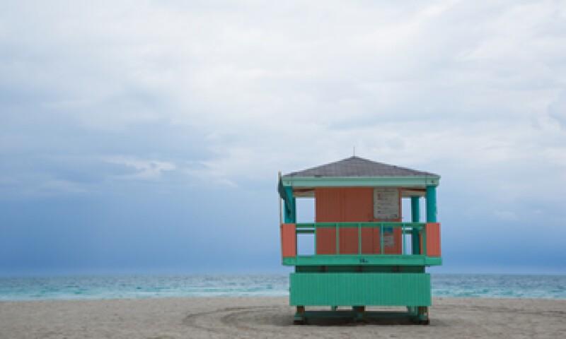 Los expertos asegura que éste es un buen momento para comprar casa en la playa en destinos como Puerto Vallarta, Cancún o Acapulco. (Foto: Thinkstock)