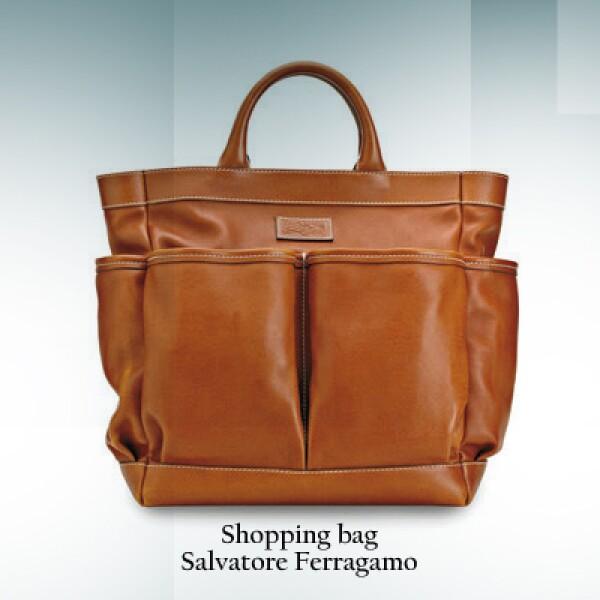 Los aficionados de la moda pueden usar un shopping bag, un poco más grandes y vistosos pero dignos de presumirse.