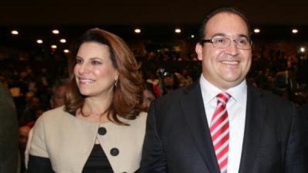 Congelan bienes a esposa de exgobernador de Veracruz