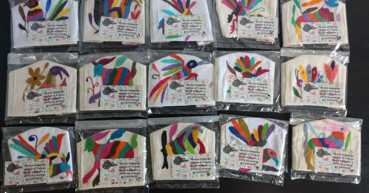 #YoContraElCoronavirus: Artesanía protectora: cubrebocas con bordados de Tenango