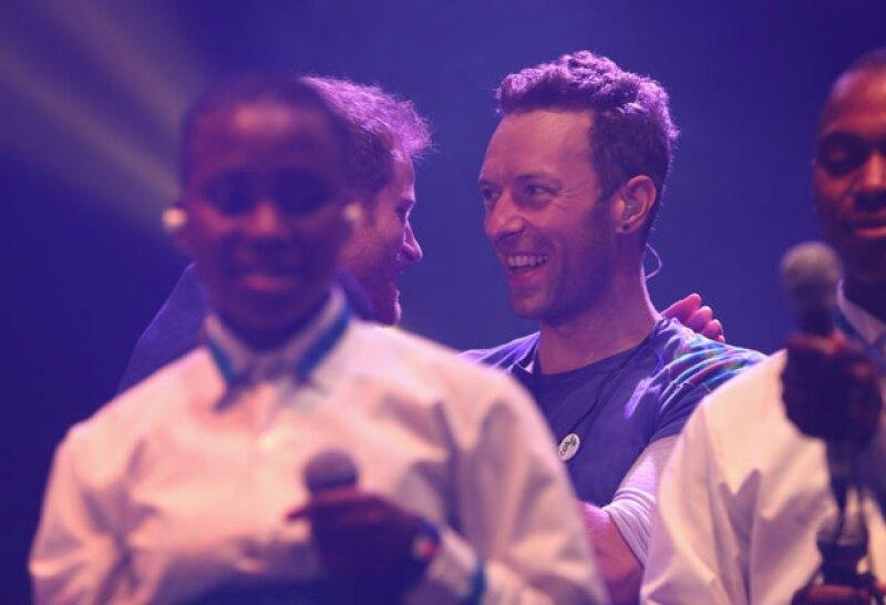 Al término del concierto, Harry le agradeció a Chris por el show.