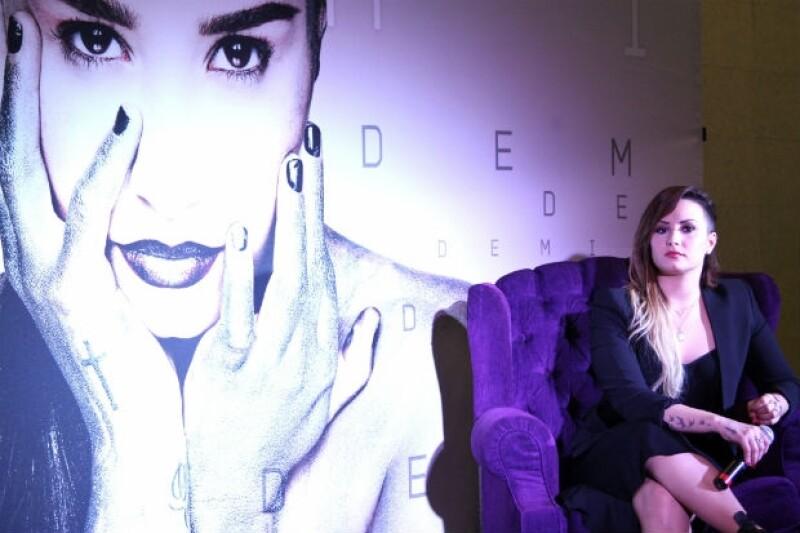 Durante su visita por el país, la artista estadounidense habló de la relación que tiene con otras artistas mexicanas.