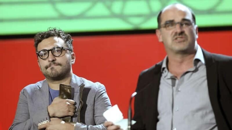 El director Alfonso Ruiz Palacios (i) y el productor Ramiro Ruiz (d) película 'Gueros' en San Sebastian