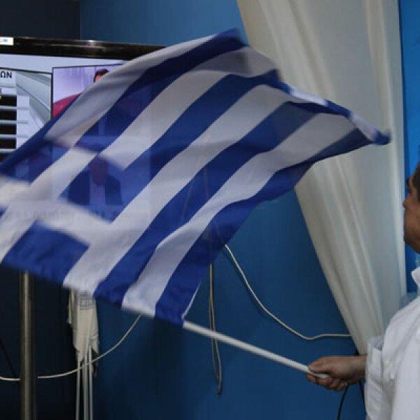 Los partidos políticos a favor del rescate financiero de Grecia, liderados por Nueva Democracia, se llevaron la mayoría parlamentaria en las elecciones del domingo, dando alivio a un mundo que se preparaba para una nueva turbulencia financiera.