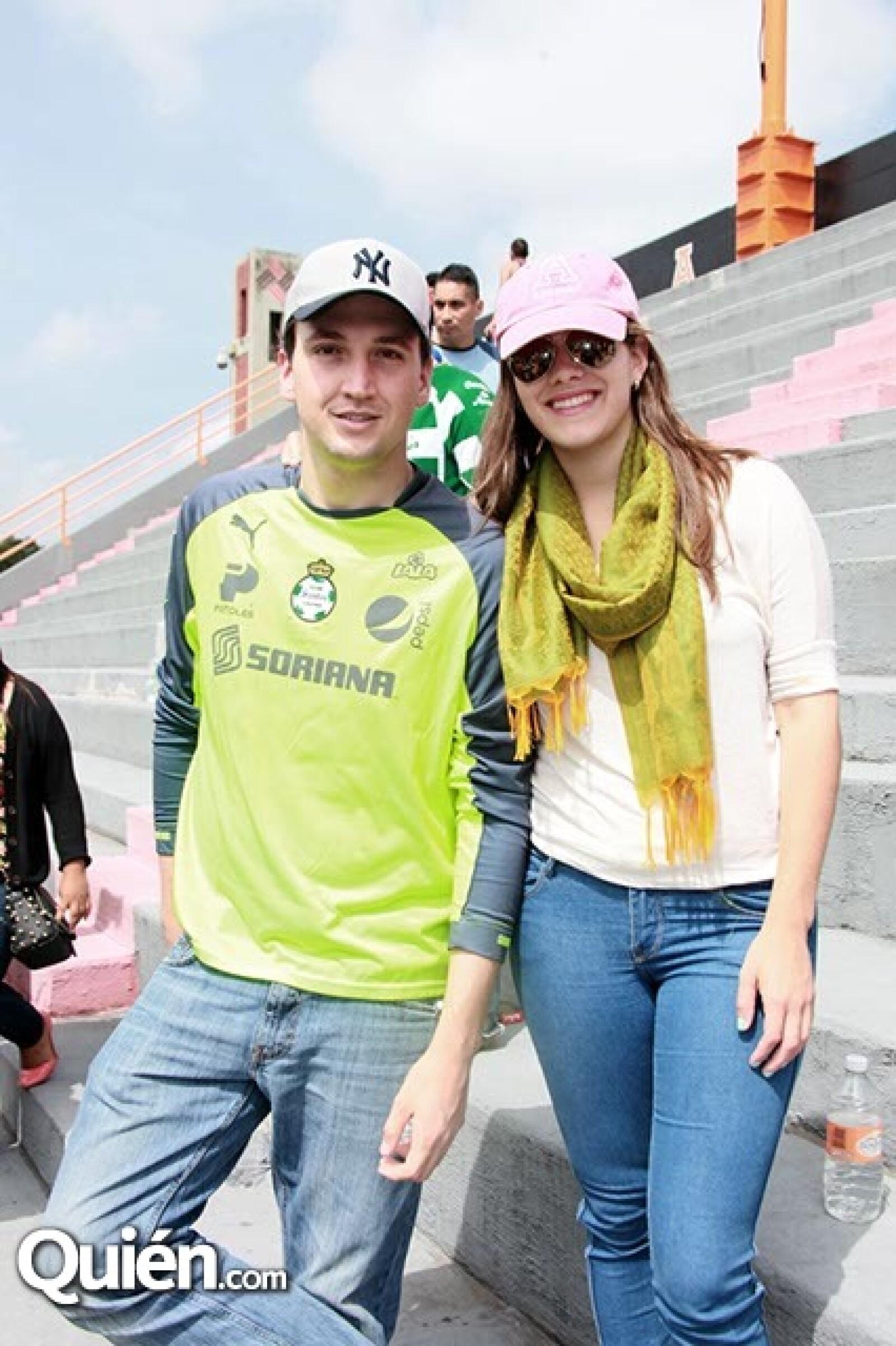 Nacho Lozano y Mariana Carrllo
