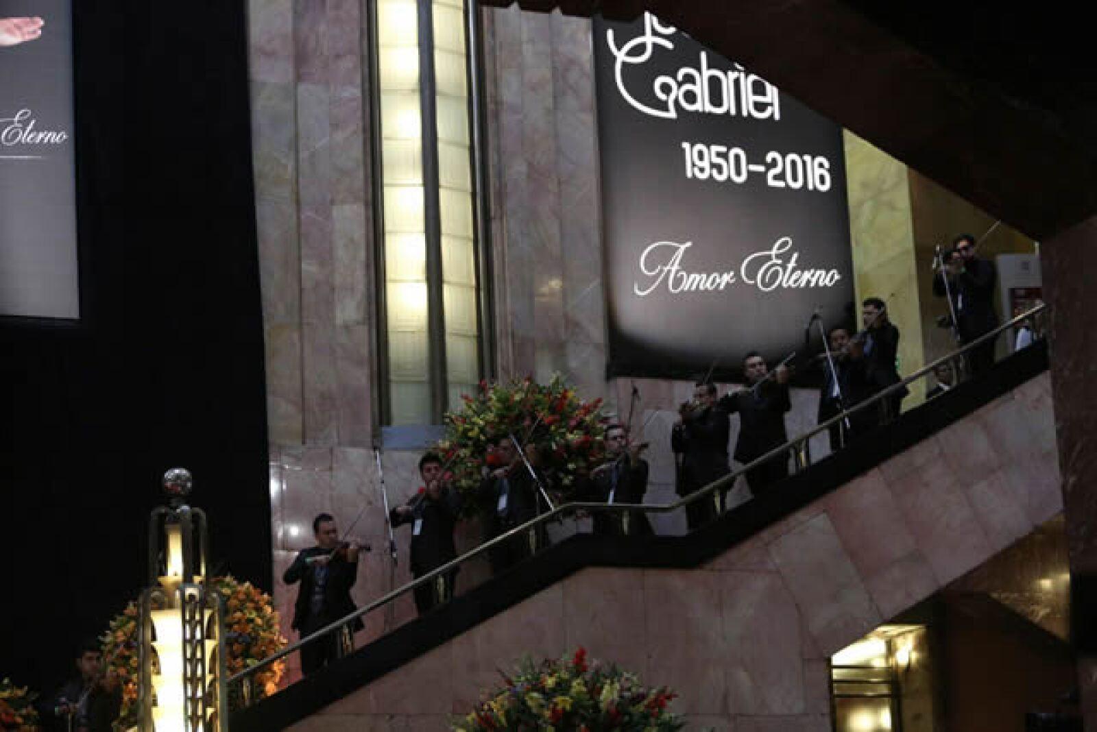 Interior del Palacio de Bellas Artes previo a que llegaran las cenizas de Juan Gabriel.
