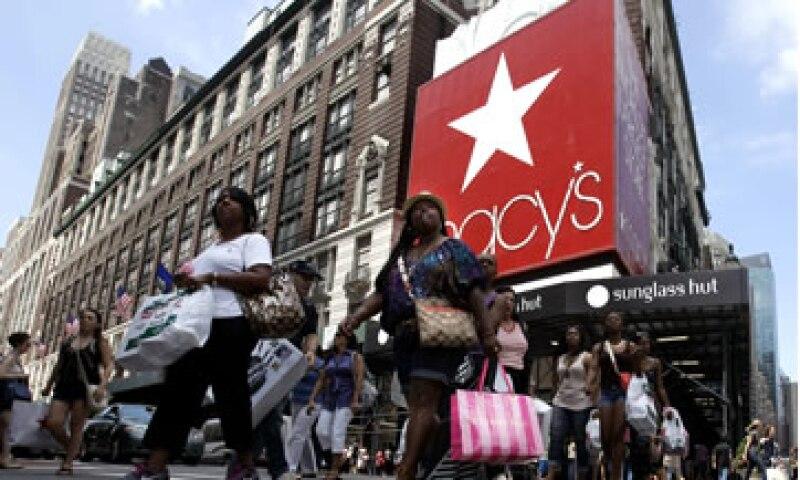 Tiendas departamentales como Macy's y Dillard's han crecido considerablemente en EU este año. (Foto: AP)