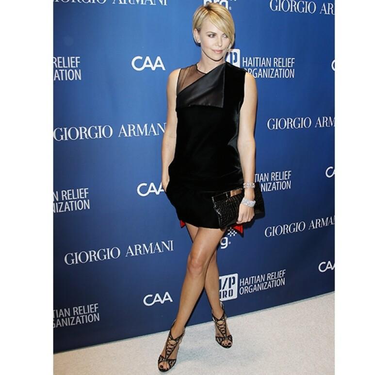 La actriz de 38 años lució radiante para la noche de gala en Beverly Hills.