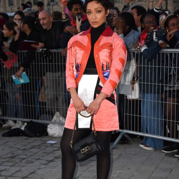 Louis Vuitton : Outside Arrivals -  Paris Fashion Week - Womenswear Spring Summer 2020