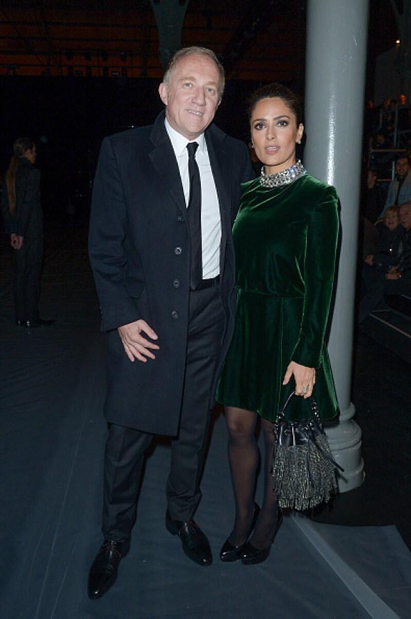 La actriz mexicana acudió al desfile con su esposo Francois-Henri Pinault.