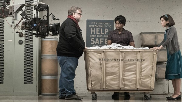 Guillermo del Toro en el set de 'Shape of Water'