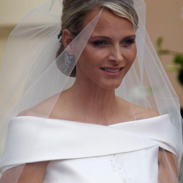 Charlene Wittstock, de 33, es una guapa sudafricana 20 años menor que su hoy esposo.