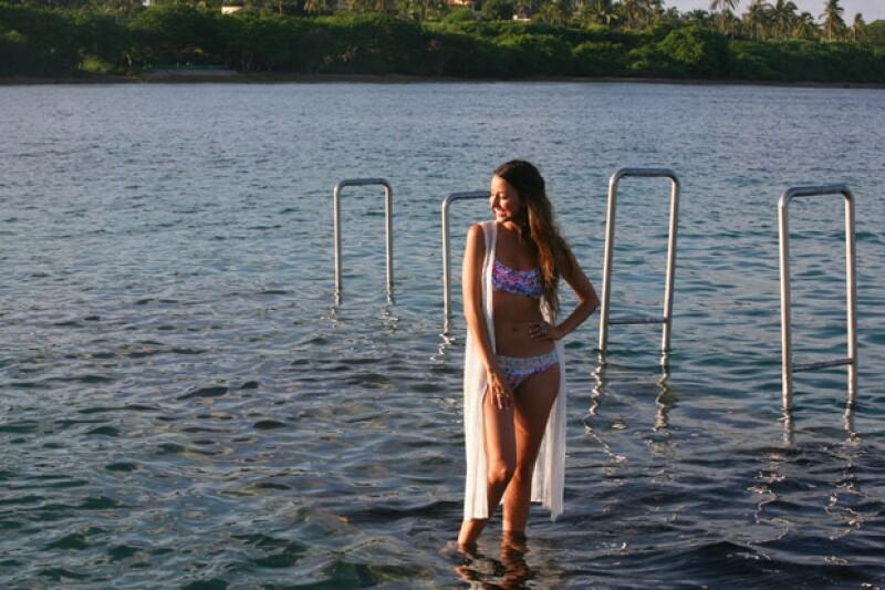 Así posó en Punta Mita la guapa actriz para nuestra sesión de las niñas más guapas del país.