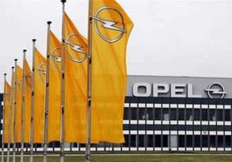 GM había firmado un acuerdo preliminar con la firma canadiense Magna por la venta de unidad Opel. (Foto: Reuters)