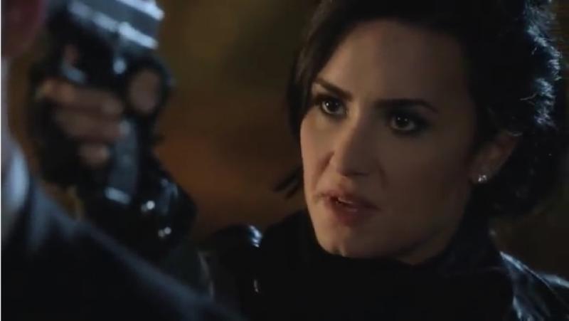"""La actriz mexicana y la cantante estadounidense actuaron una escena de pelea entre vampiros para el capítulo final de la segunda temporada de """"From Dusk Till Dawn""""."""