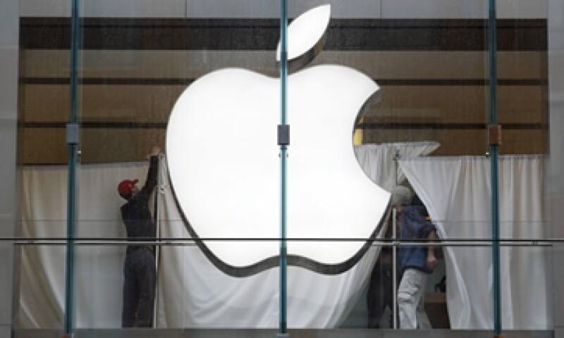 Hispanos y republicanos y jóvenes de EU son los que auguran a Apple el futuro más prometedor. (Foto: Reuters)