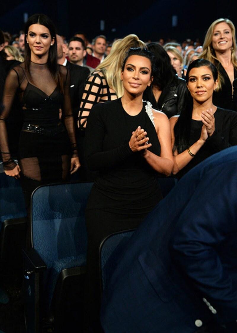 Aunque no desfiló por la red carpet de los premios ESPYS ni permitió que le tomaran fotografías, la mayor de las Kardashians realizó su primera aparición en público tras cortar con Scott Disick.