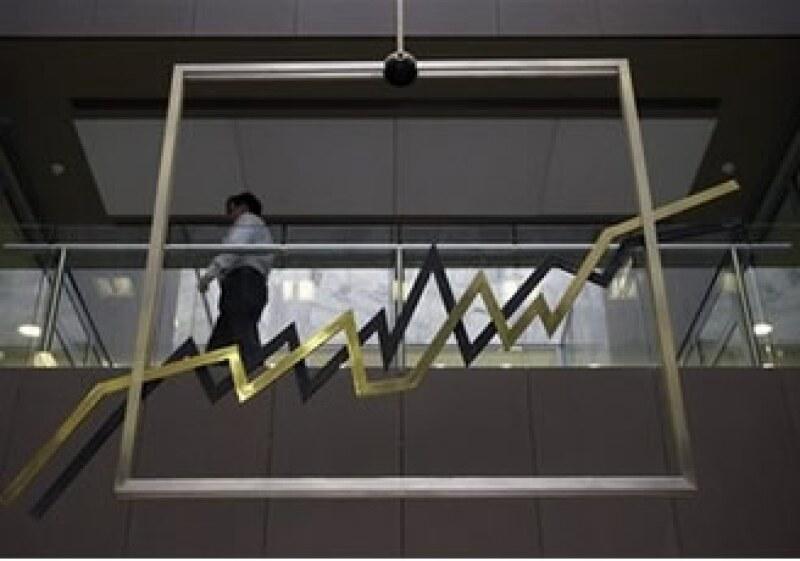 Los expertos prevén que el total de bonos griegos que saldrá a la venta podría llegar a 30,000 mde. (Foto: Archivo AP)