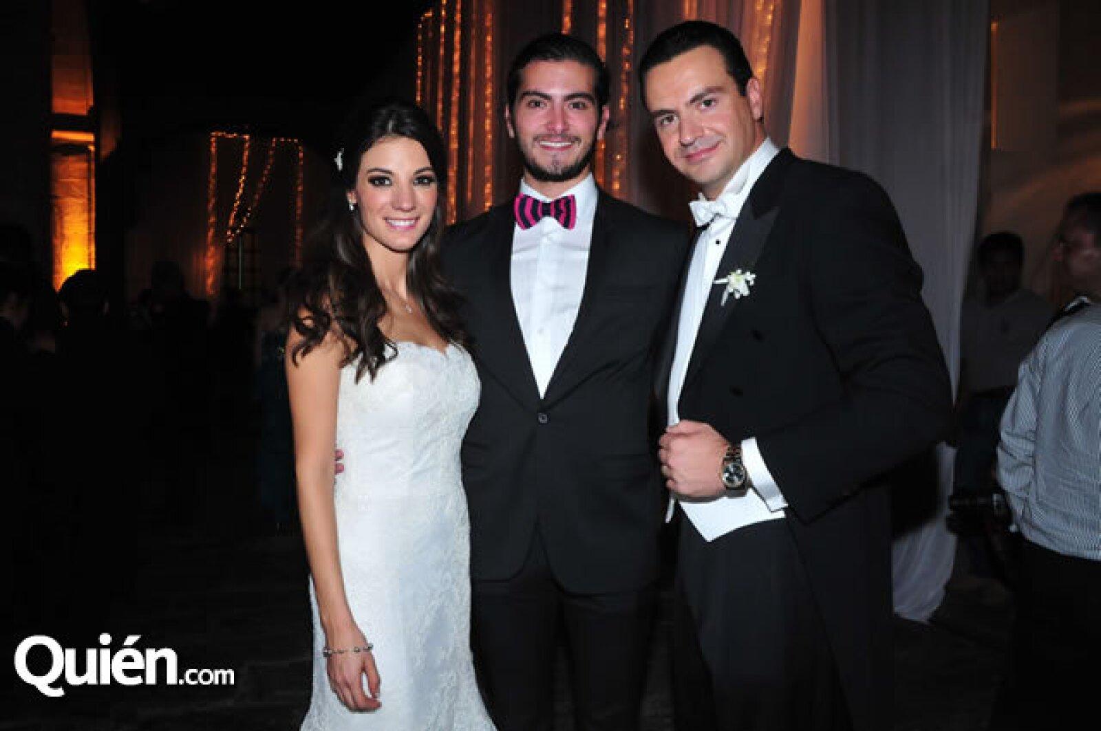 Marcela García,Alfonso Helfon,Mauricio Vega