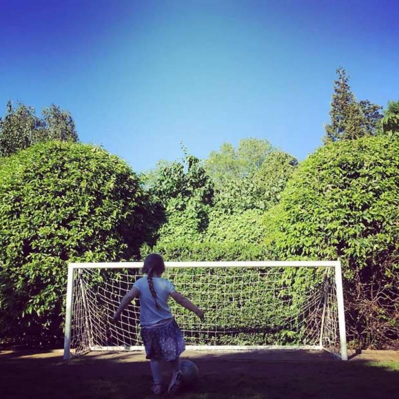 Además de mostrar a su hija como su favorita, David Beckham, al parecer, también le ha transmitido sus conocimientos en el futbol.