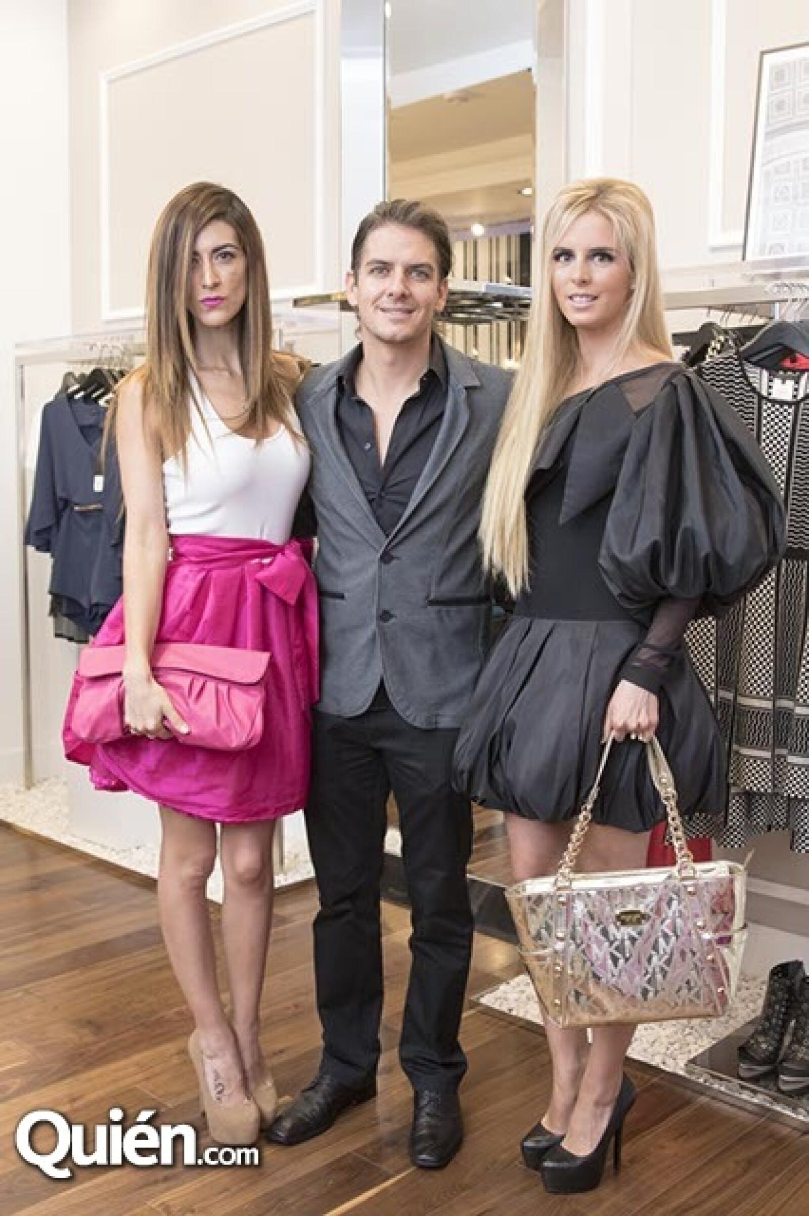Pherla Aguilar,Bobby Domínguez y Tania Ruíz