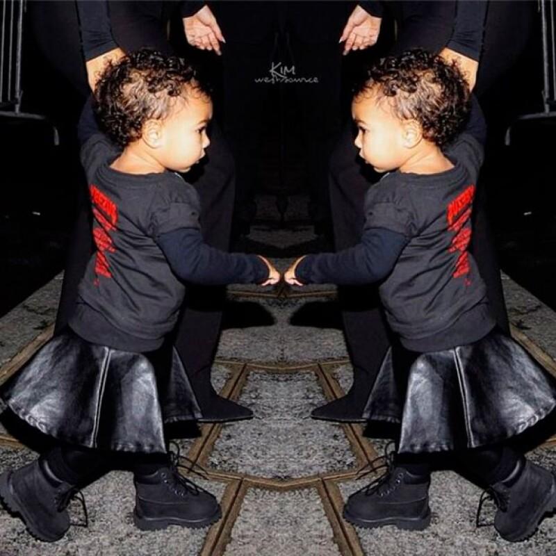 Khloé Kardashian, como orgullosa tía, compartió esta imagen del estilo de su sobrina.