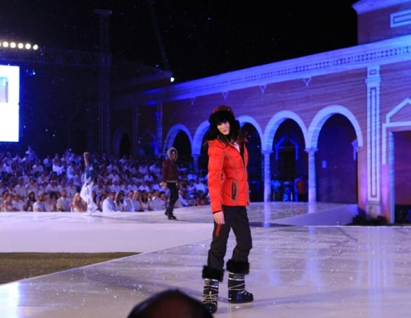 La compañía Nextel presentó Yucatán Moda Nextel con la presencia de la modelo de Victoria´s Secret Erin Heatherton.