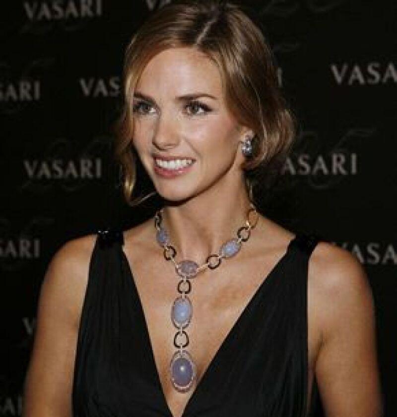 La ex esposa del Conde de Salvatierra cumplió 32 años y sus amigas, Carolina Herrera hija, Paloma Cuevas y Jaydy Mitchel, la sorprendieron con una fiesta.