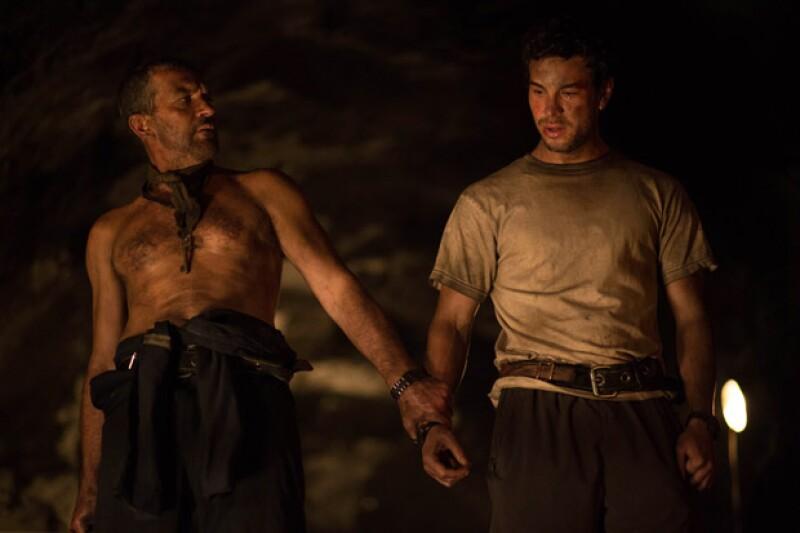 Los actores españoles en una escena de Los 33, que estrena el viernes 28 de agosto.