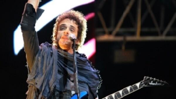 El cantante sigue hospitalizado en una clínica de Buenos Aires, luego de haber sido trasladado de por aire de Venezuela a Argentina. La familia del artista decidió que no habría partes médicos diarios