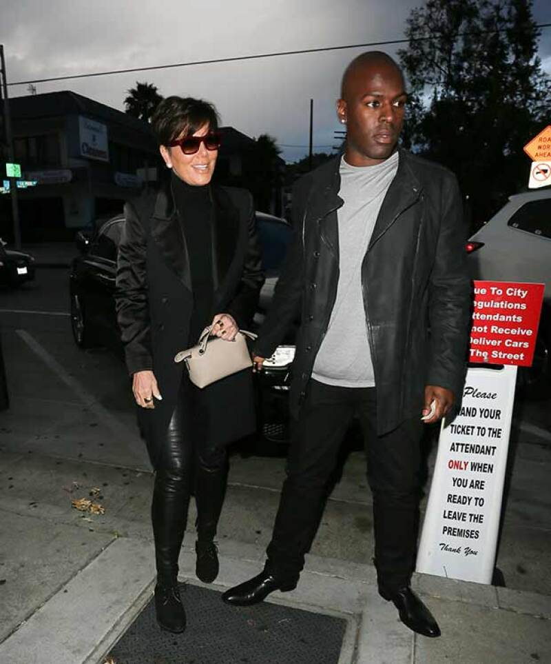 Desde que se reveló la nueva identidad de su ex, la matriarca del clan Kardashian no había hecho apariciones públicas, hasta ahora que salió a cenar con Corey Gamble en Los Ángeles.