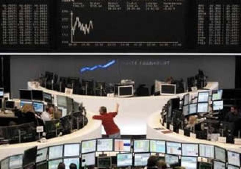 La bolsa de Frankfurt registró nerviosismo por los planes de mayores límites a los bancos. (Foto: Reuters)