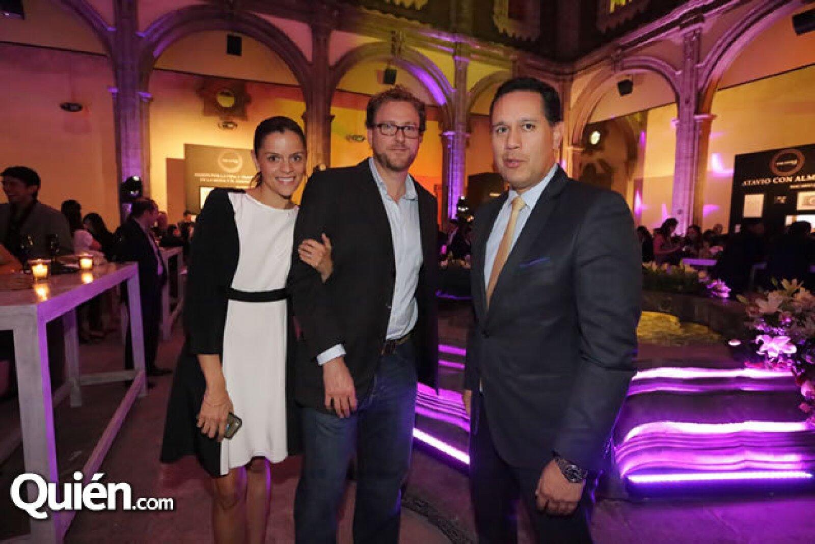 Laura y Leopoldo Rigoletti con Alejandro Aldai
