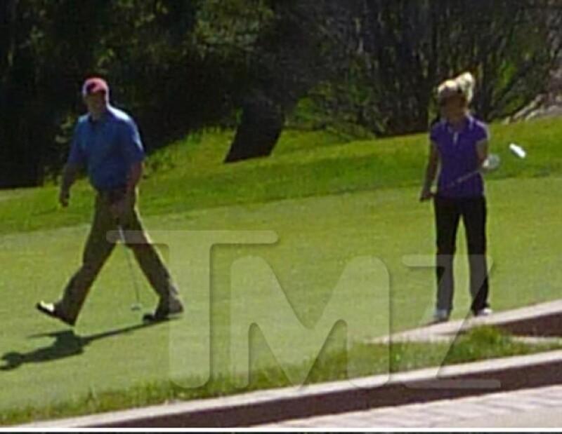 La princesa del pop pudo haber superado su reciente separación de Jason Trawick y podría estarse dando una nueva oportunidad del amor con un aficionado del golf.