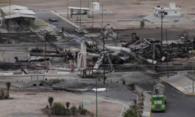 Pemex Exploración y Producción dijo que la explosión pudo ser causada por una acumulación de gas.  (Foto: Reuters)