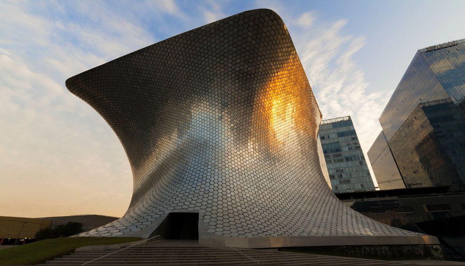 47 millones de euros costo esta impresionante obra de la arquitectura moderna.